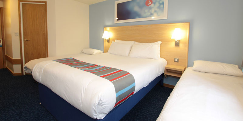 travelodge stafford m6 room